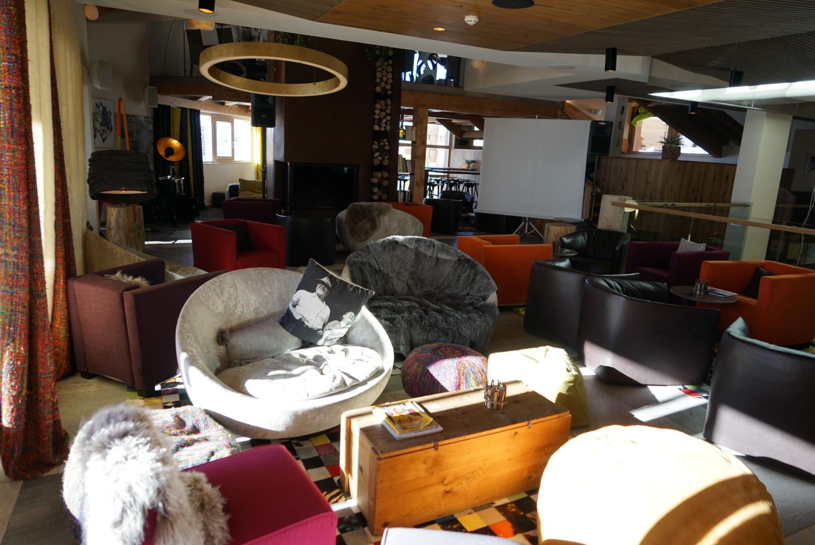 lounge, fireplace, library, val thorens, pashmina, hotel, pashmina hotel, refuge, terrace, mountain, trip, holidays