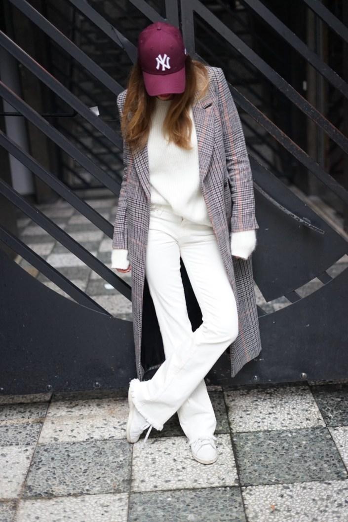 Wearing a New-York look in Paris, it's trendy !