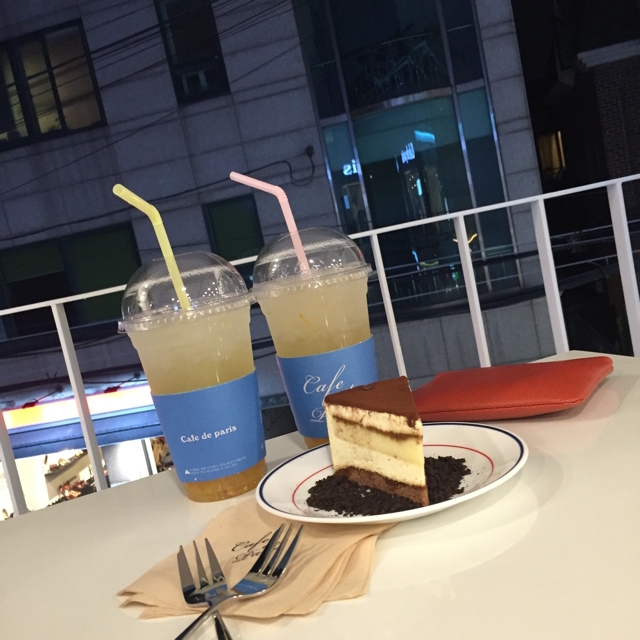 hongdae-shopping-night-out-best-of-seoul-korea-food-and-culture-enabalistah-campina-watch-review-enabalista_0005