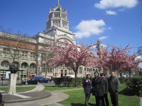 Ena London Family Pic 2