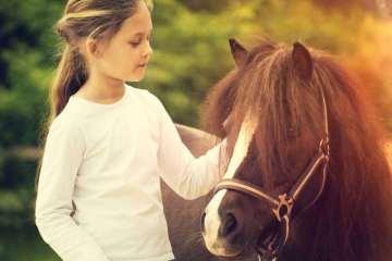 παιδί και άλογο