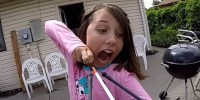 Girl-Uses-Slingbow-To-Pull-Out-Tooth