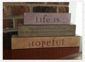 life is hopeful - Mary and Martha Vintage Block set 83728