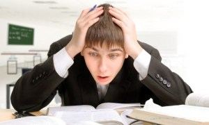 wpid-teenager-studying_shutterstock_74261422-640x3851