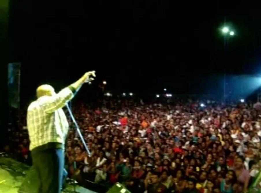Michel gira en Colombia