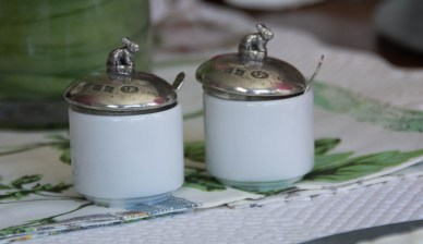 Tiny lidded jam jars by Arte Italica