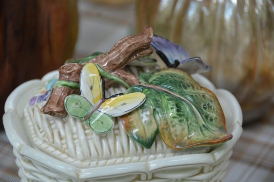 """lid detail from """"basket"""" tureen"""