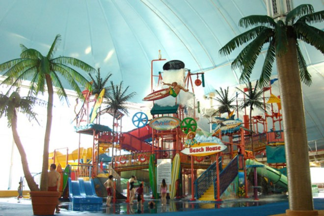 fallsview-indoor-water-park_54_990x660_201405311645