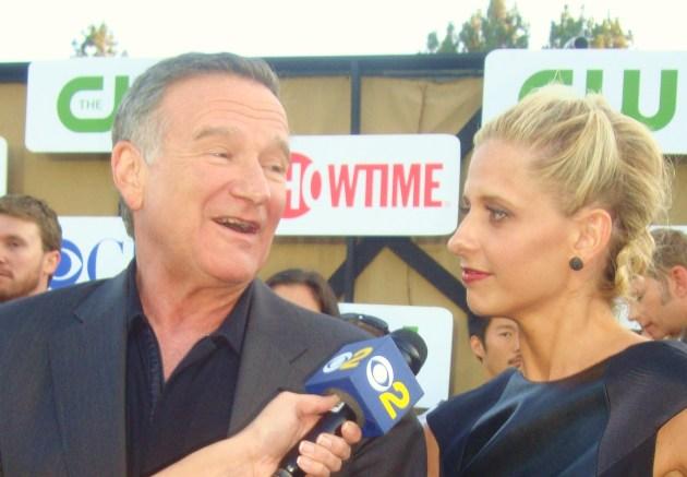 Robin Williams & Sarah Michelle Gellar (photo by Margie Barron)