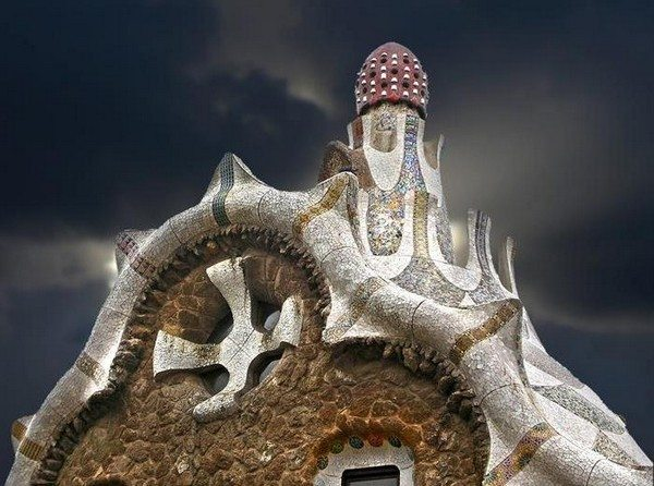top-10-worlds-strangest-buildings-01