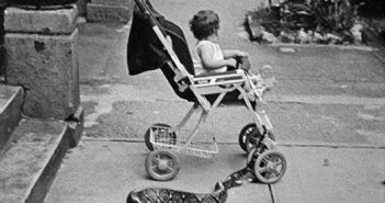 wtf-hilarious-vintage-old-timey-black-and-white-photos16