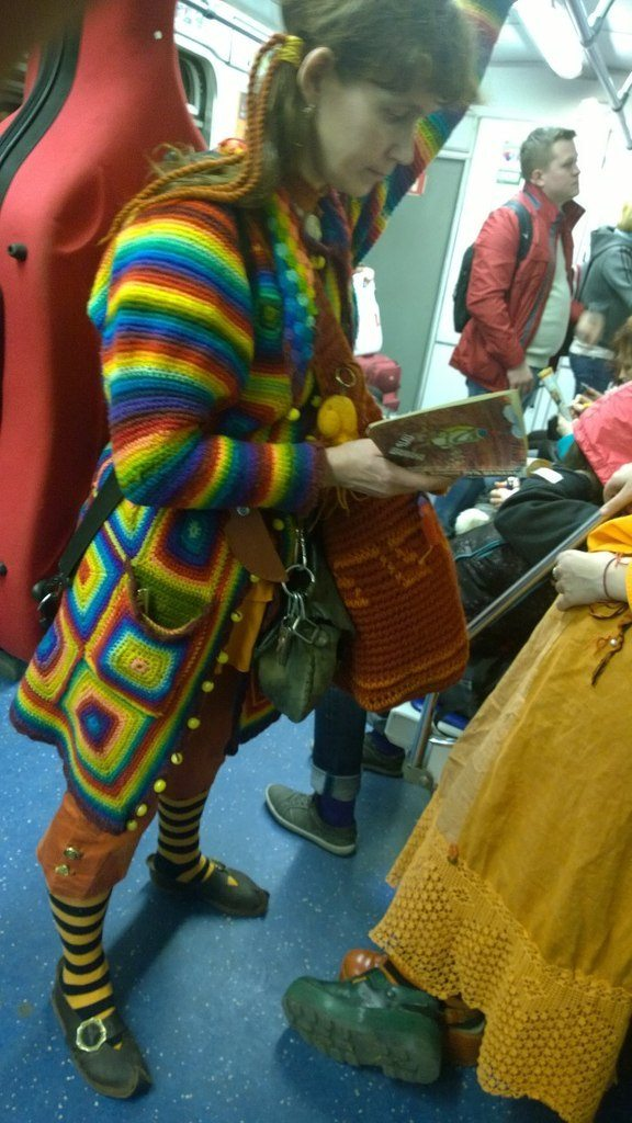 fashion-in-russian-subway-funny-russia-crazy-01