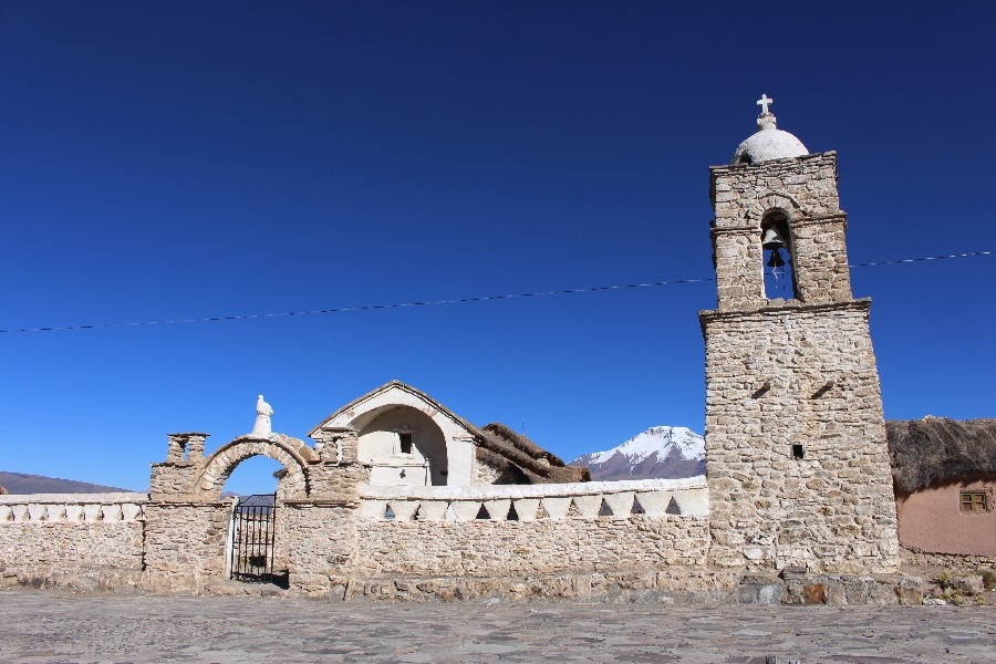 village-sajama-eglise