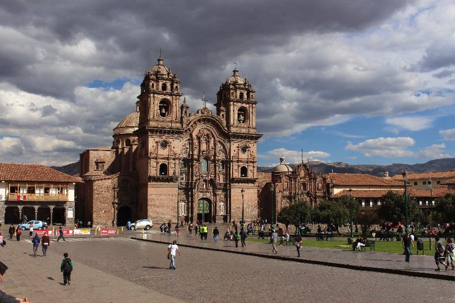 plaza-armas-cuzco-cathedrale