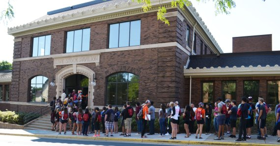 Incoming freshmen lined up for Sustainability Action!, IonE's annual Welcome Week event.