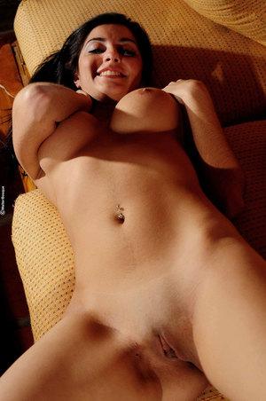 sexy wide hips arab women