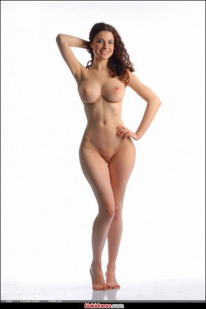extreme hourglass figure nude