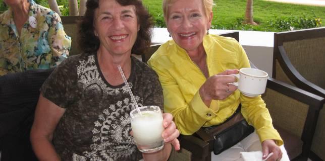 ladies-with-margaritas