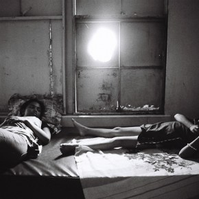 The Poetic Black and White Street Photography of Manila by Robert Huibonhoa