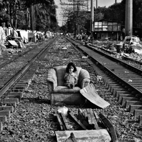 Documenting Life in Manila and Beyond: The Intimate Monochromatic Images by Veejay Villafranca