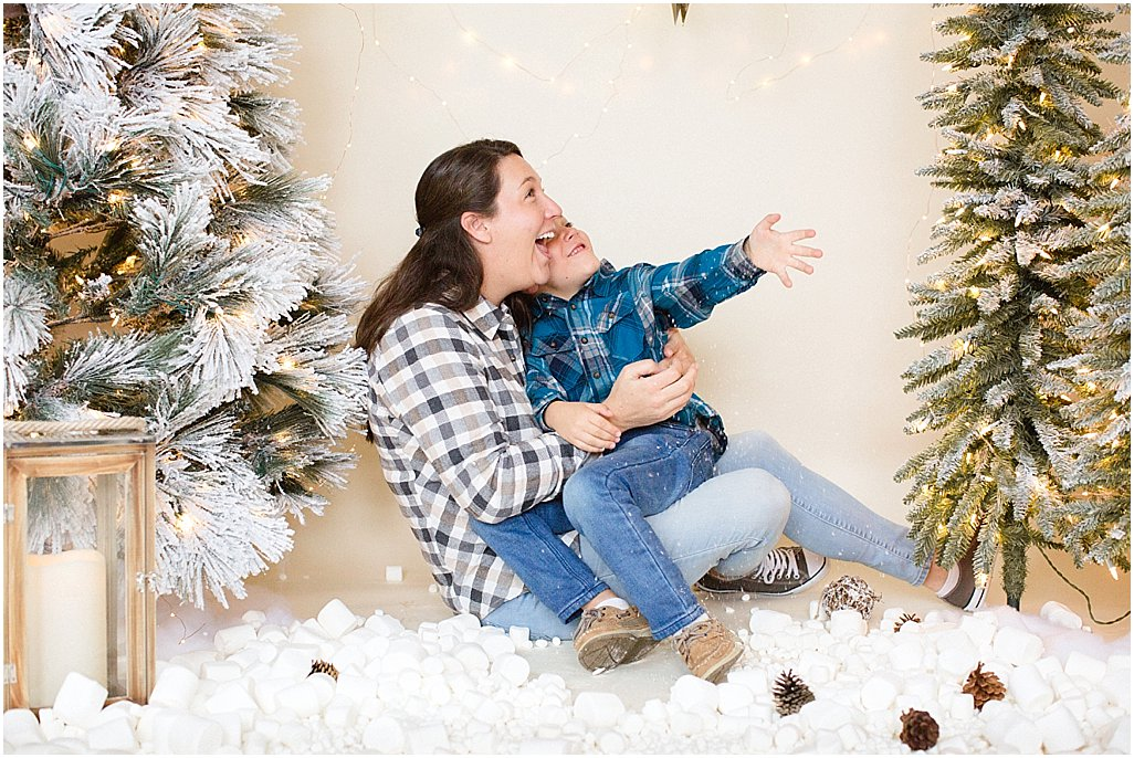 christmas-mini-sessions-arkansas-family-photographers-i-kelsey-and-weston_0002