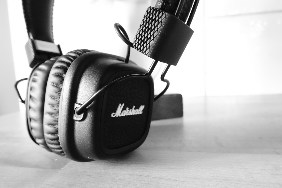 Marshall Major II Bluetooth headphones - Close-up