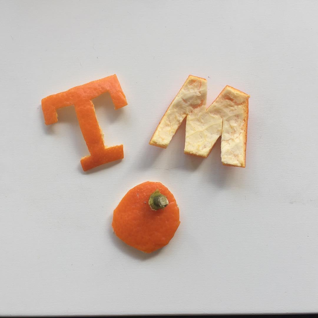 Tangerine porque viene de Tnger o Mandarina porque viene dehellip