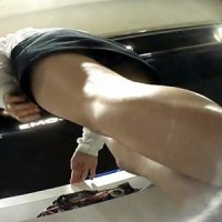 【H動画】 【アダルト動画】【アパレル店員逆さ撮り盗撮動画】店&#208相互オーラルセックス;で働くミニスカタイトを履いた女性の足元からパンツを隠し撮り…