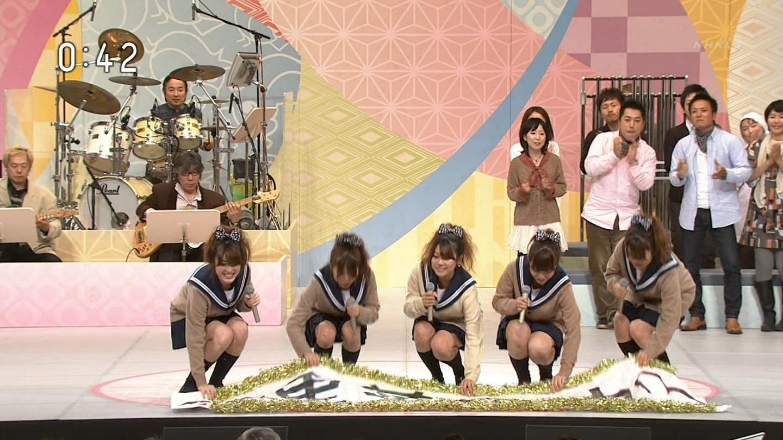 (NHKのど自慢)←10代小娘のパンツ丸見え宝庫と化してるぞwwwwwwwwwwwwww(えろキャプ写真あり)