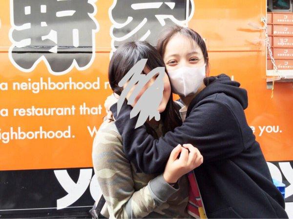 【有名人,素人画像】佐々木希さんがスッピンで熊本県益城町で炊き出し参加 男達が群がり写真収録会へ これは炎上しない