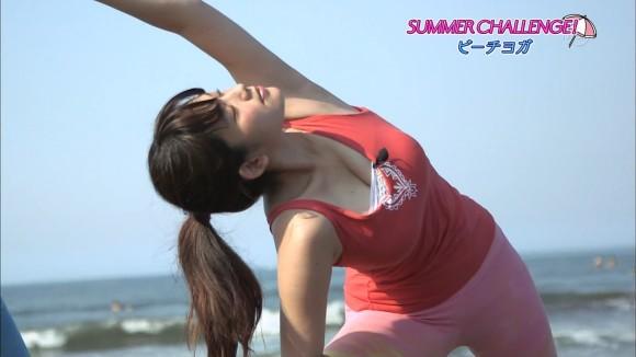 筧美和子&久松郁美が清楚なタンクトップでワキとたわわな美巨乳お乳胸チラを披露wwwwwwwwww(えろキャプ写真あり)