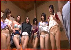 地元の同窓会で主婦になった同級生達と王様GAMEして悪イケイケでSEX☆