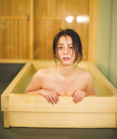 """(写真あり)佐々木希(28)、遂に裸入浴を公開…「""""かくしごと""""はもうしません」"""