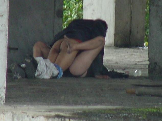 夏は外青姦sexがお盛んに…☆こっそり秘密撮影されてるバカップル達のえろ写真wwwwwwwwwwww
