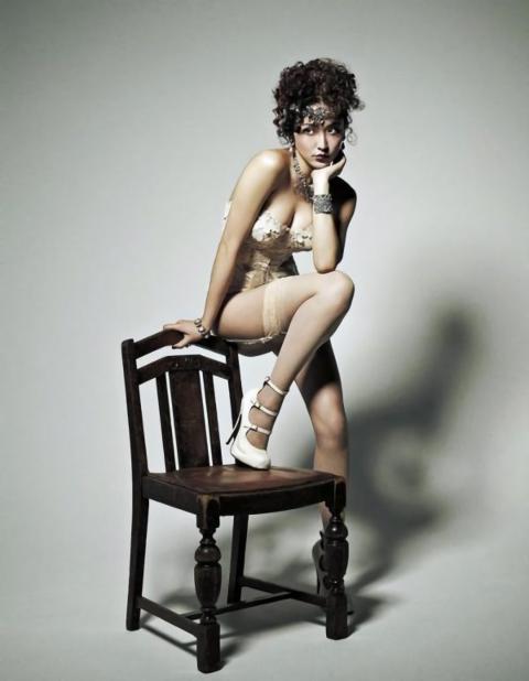 長澤まさみ(29)が最新下着姿を披露…2ch「売春婦だろ、これ…」「恥ずかしくないのか…」(写真あり)