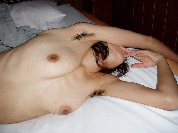 ちょww5年以上sexご無沙汰なヒトヅマのワキが衝撃的wwwwwwwwwwwwwwwwww(写真あり)