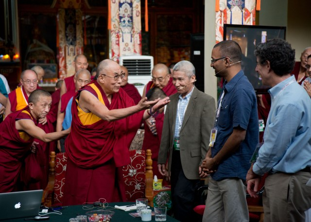 Далай-лама XIV, Ричард Дэвидсон и другие участники 26-й конференции Mind and Life Institute
