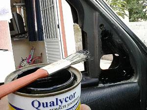 Usamos tinta para evitar corrosão na nova furação.