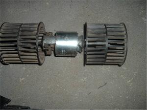 Detalhe do motor e ventiladores para troca de componentes (se necessário), e limpeza.