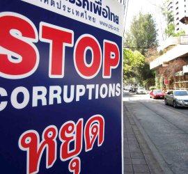 En Tailandia, como en muchos otros paises, aún existe una gran tasa de corrupción por parte de su govierno.