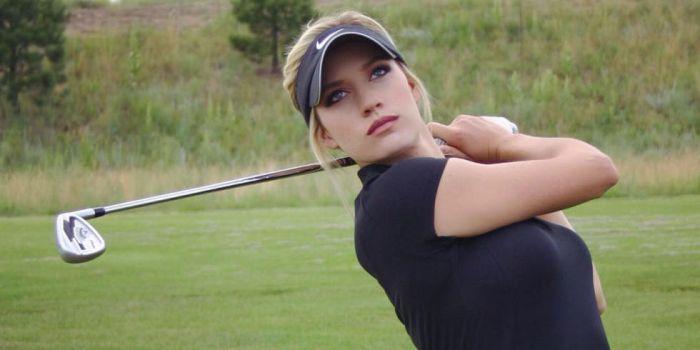 Foto-foto Paige Spiranac Atlet Golf Cantik Seksi Menggoda 002
