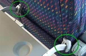 Seu assento não deita no avião? Você pode ter sido vítima do knee defender