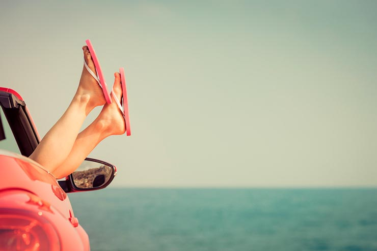Viajar traz mais felicidade que qualquer bem material (Foto via Shutterstock)