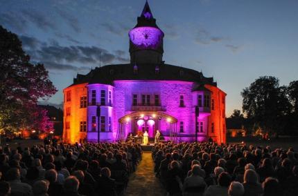 Schloss Oelber beleuchtet