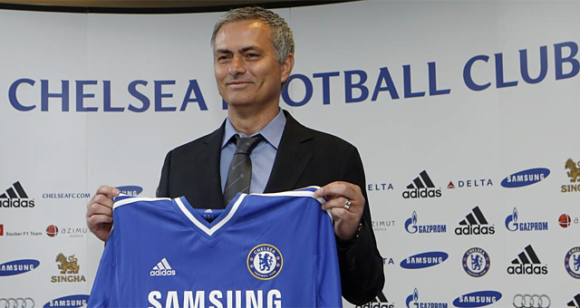 José Mourinho, durante su presentación con el Chelsea.   REUTERS