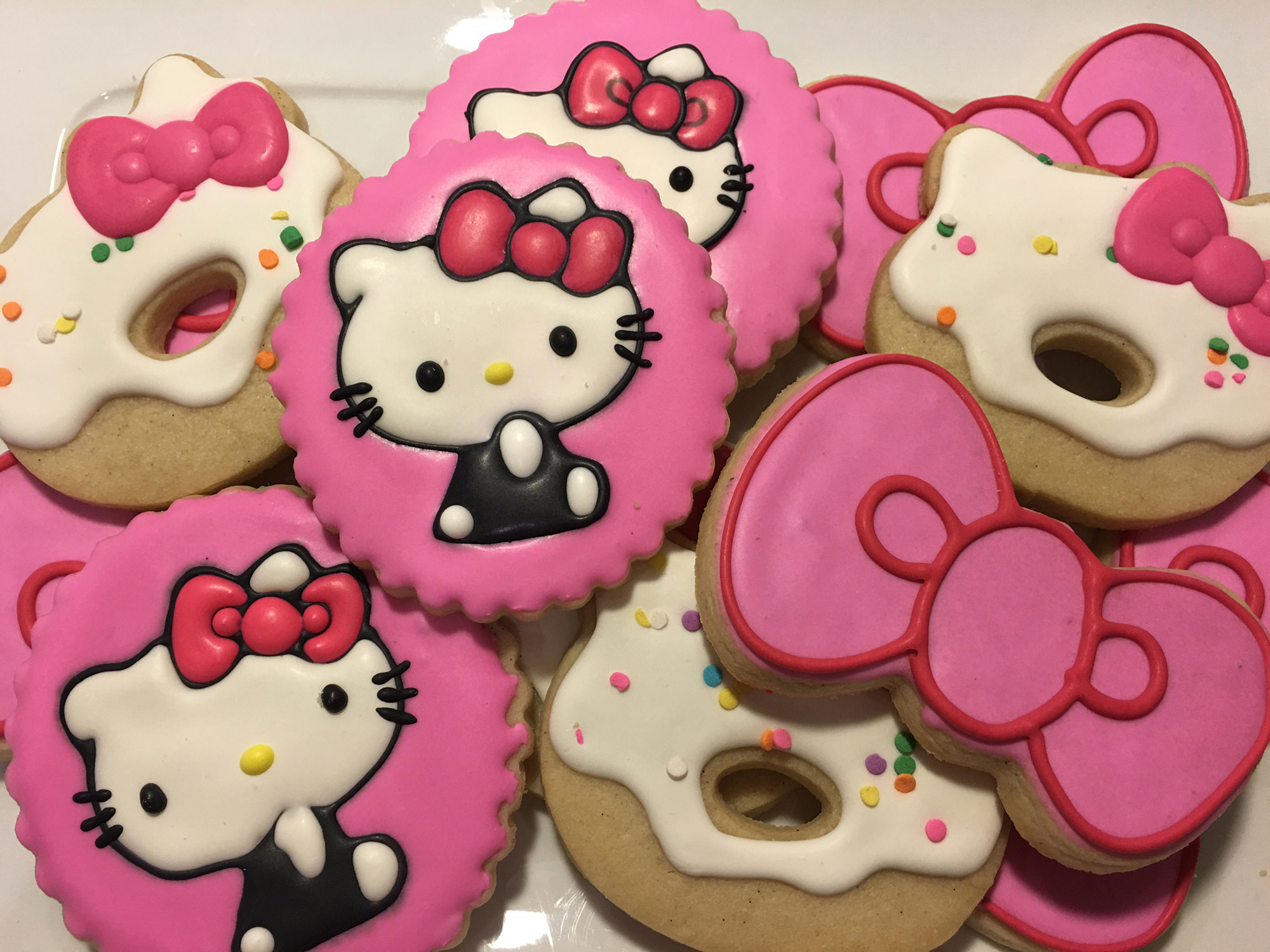Hello Kitty Cafe Truck - cookies