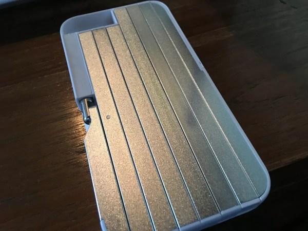 自撮り棒内蔵iPhoneケース