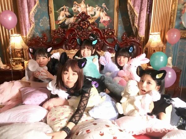 1stシングル「完全なるアイドル」