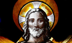 Jesús, detalle de la vidriera de la iglesia S. Etienne Fecamp, Normandía, Francia