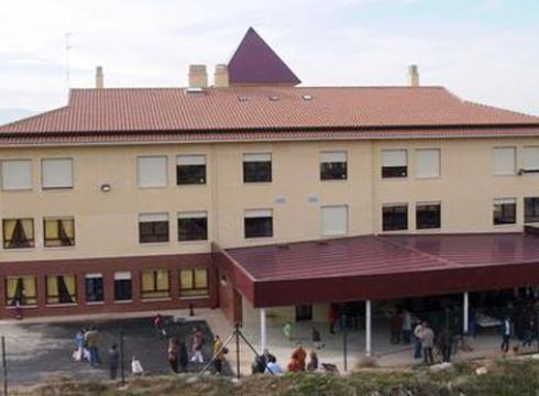 Lodosa-Sartagudako ikastolaren jaia eguraldiak zapuztuta